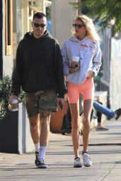 Stella Maxwell in Leggings 01/11/2020