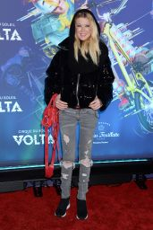 Tara Reid – Cirque du Soleil VOLTA Premiere in LA