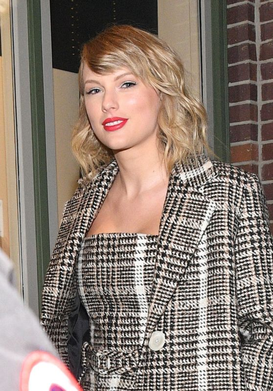 Taylor Swift - Out in Park City 01/23/2020
