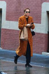 Zoey Deutch Street Style - Shopping in New York 01/16/2020