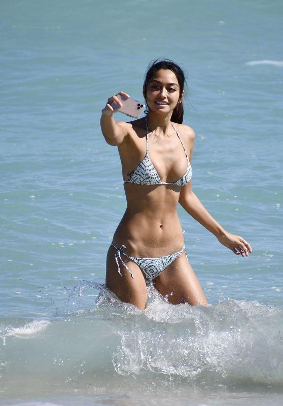Ambra Gutierrez in a Bikini - Beach in Miami 2/2/2020