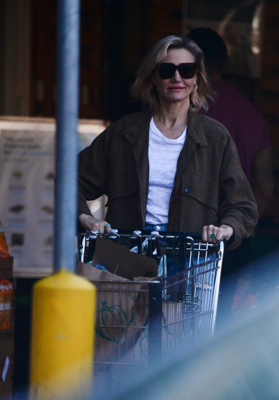 Cameron Diaz - Grocery Shopping Ahead of the Super Bowl 02/01/2020