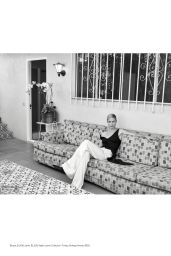 Carolyn Murphy - ELLE Magazine US March 2020