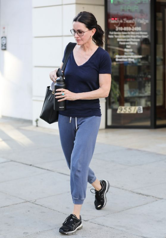 Courteney Cox - Leaves Sandy