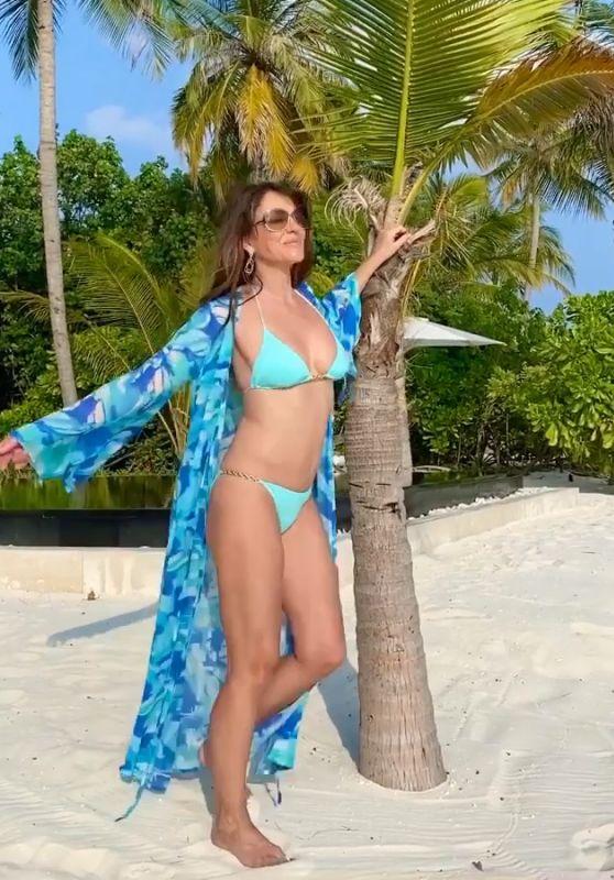 Elizabeth Hurley in a Bikini 02/23/2020