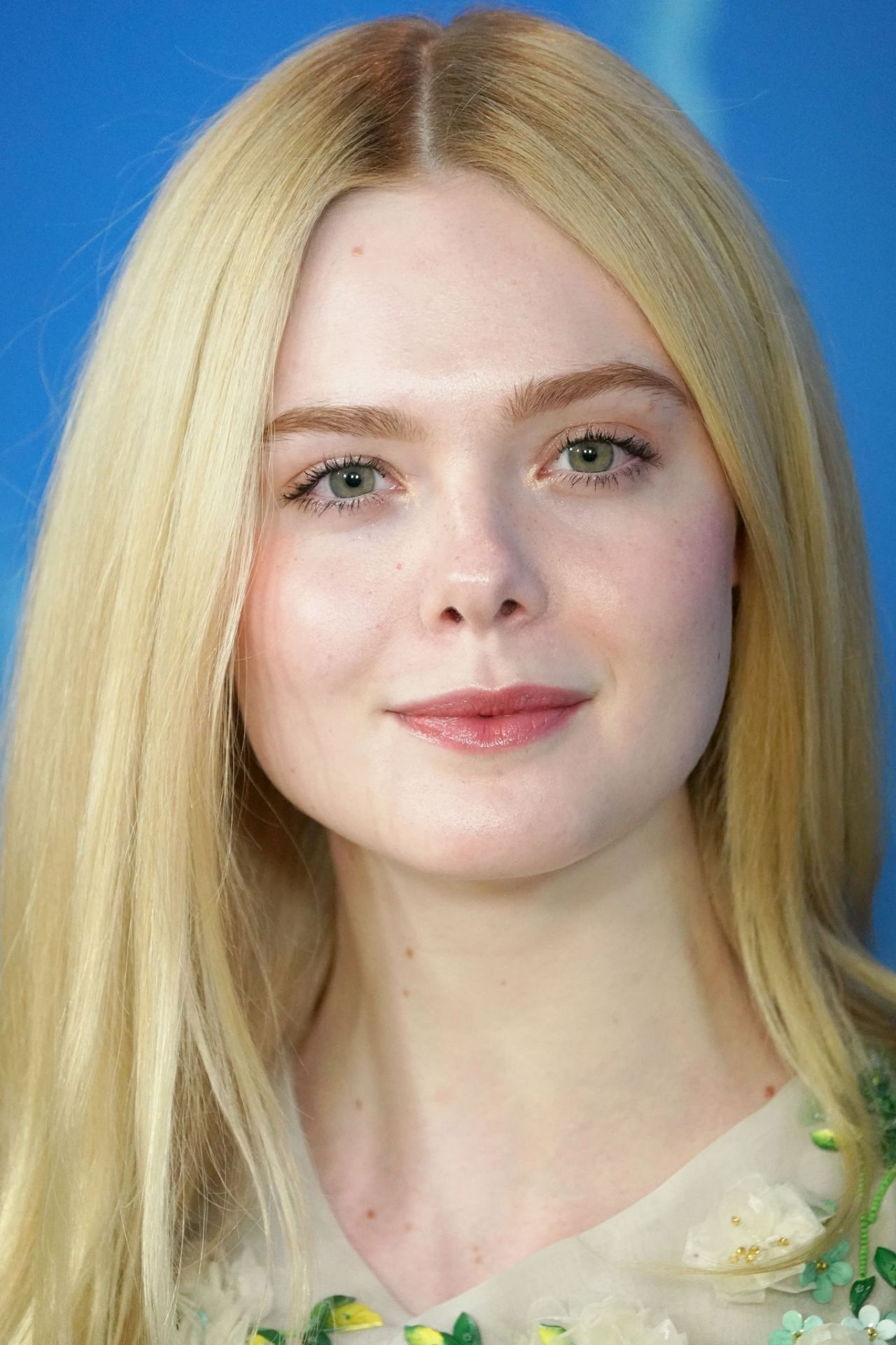 Elle Fanning - The Roads Not Taken Photo Call at