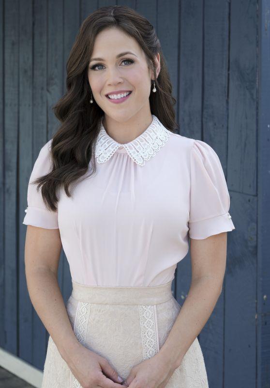 """Erin Krakow - """"When Calls the Heart"""" Season 7 Promo Photos"""