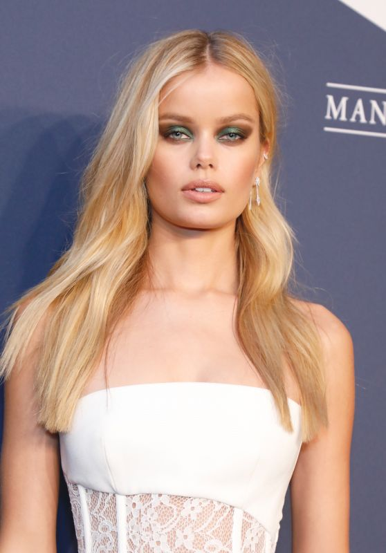 Frida Aasen – amfAR Gala 2020 Benefit For AIDS Research