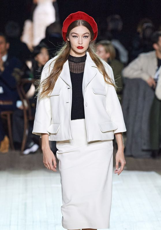 Gigi Hadid – Marc Jacobs Fashion Show in NYC 02/12/2020