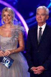 """Holly Willoughby - """"Dancing On Ice"""" TV Show 02/02/2020"""