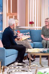 """Holly Willoughby - """"This Morning"""" TV Show in London 02/12/2020"""