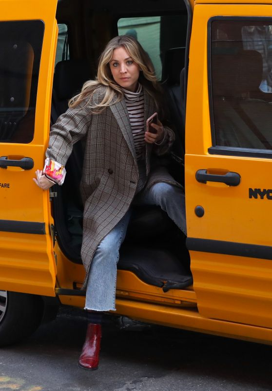 "Kaley Cuoco - ""The Flight Attendant"" Set in NYC 02/24/2020"