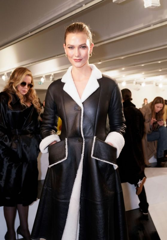 Karlie Kloss - Loewe Show at Paris Fashion Week 02/28/2020