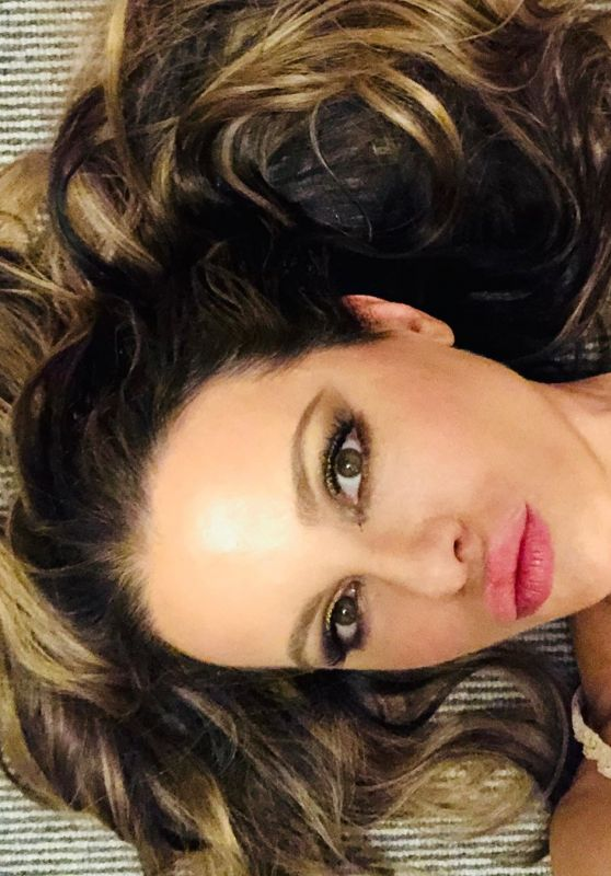 Kate Beckinsale - Social Media 02/18/2020