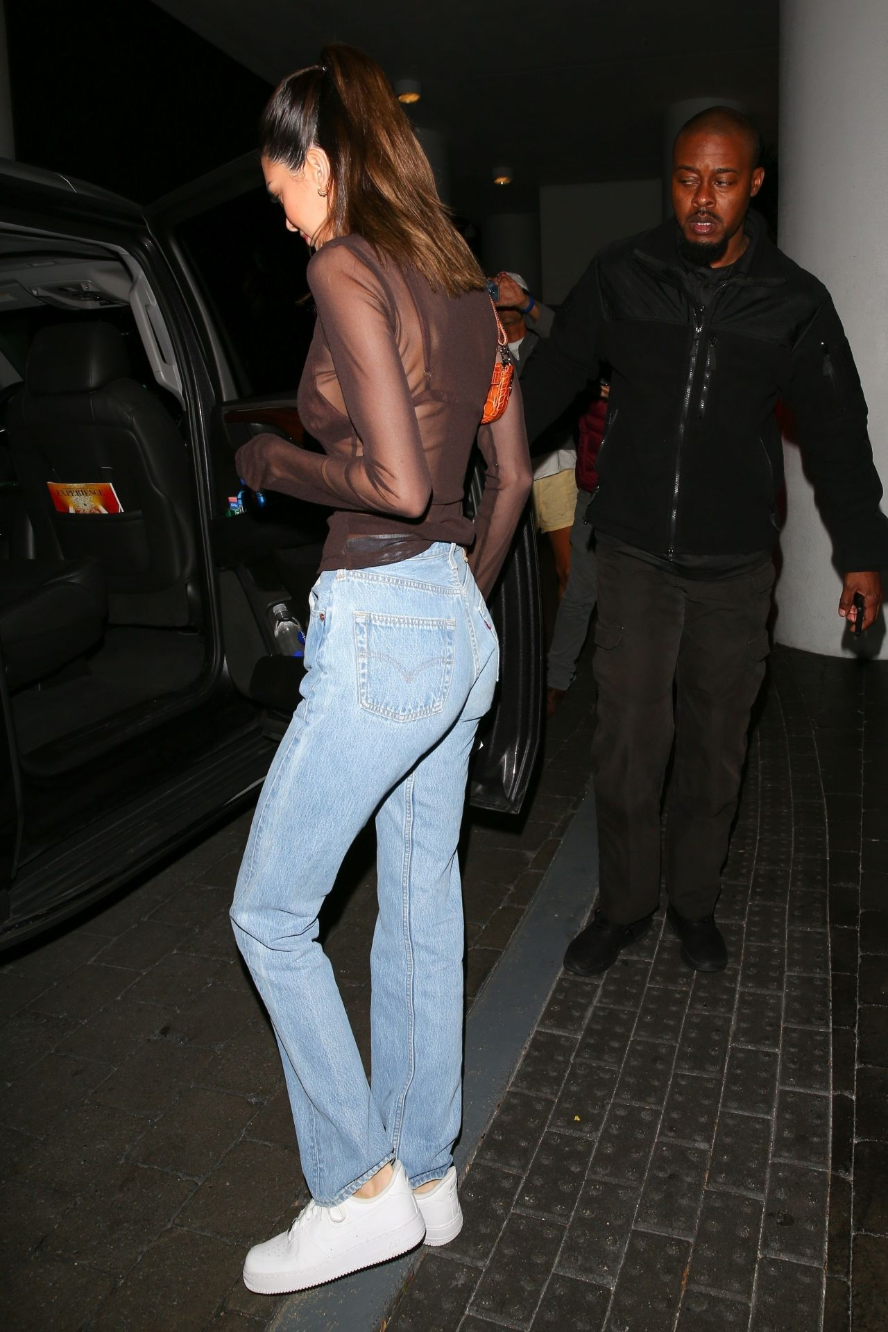 Kendall Jenner - Going to the 76ers vs Heat Game in Miami ...