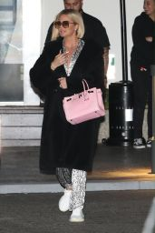 Khloe Kardashian - Arrives for Dinner at Mastro
