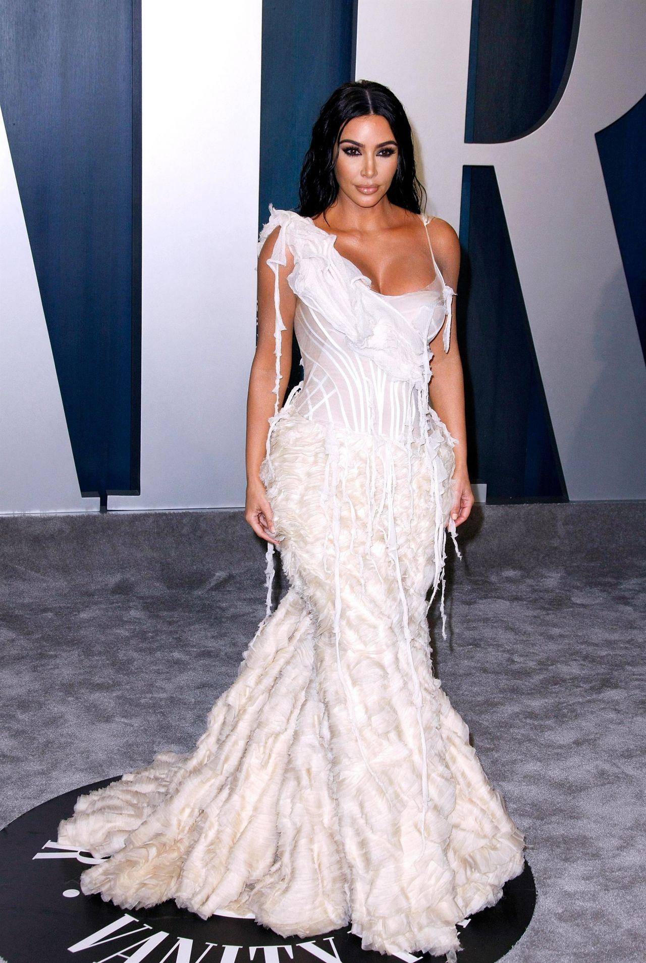 Resultado de imagem para kim kardashian oscar 2020
