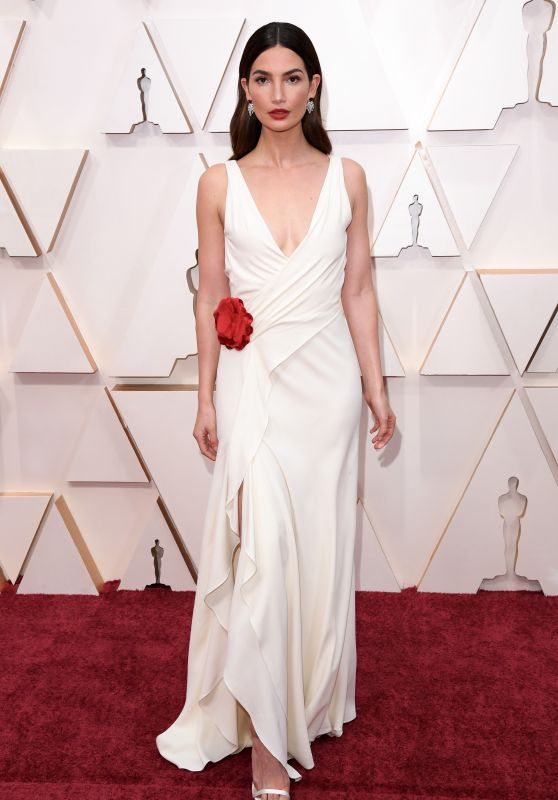 Lily Aldridge – Oscars 2020 Red Carpet