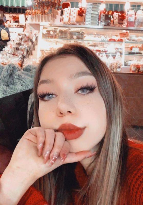 Lulu Lambros - Social Media 02/17/2020