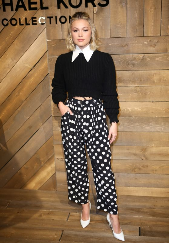 Olivia Holt – Michael Kors Fashion Show in NY 02/12/2020