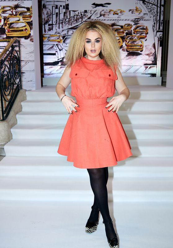 Tallia Storm - Paul Costelloe Catwalk London Fashion Week 02/17/2020