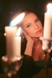 Amanda Cerny - Live Stream 03/31/2020