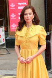 Anna Friel - The Prince