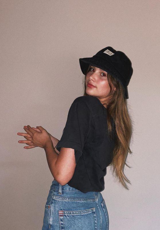 Annie LeBlanc - Social Media 03/09/2020