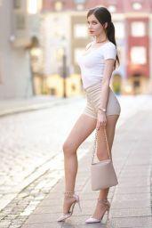Ariadna Majewska - Social Media 03/06/2020
