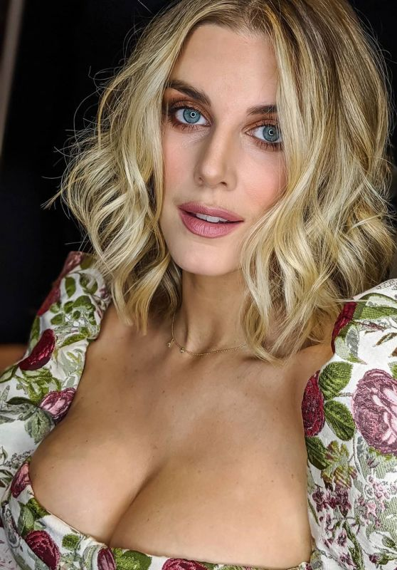 Ashley James - Social Media 03/12/2020