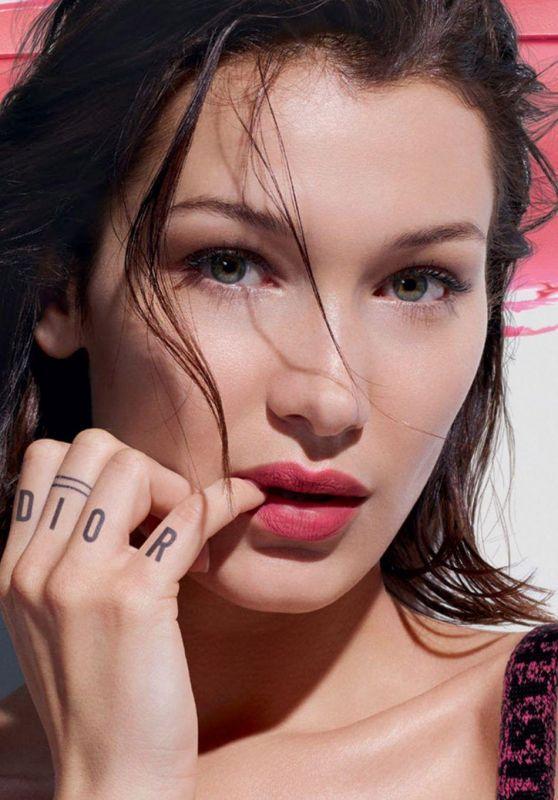 Bella Hadid - Live Stream 03/26/2020