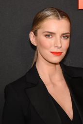 """Betty Gilpin – """"The Hunt"""" Special Screening in Hollywood"""