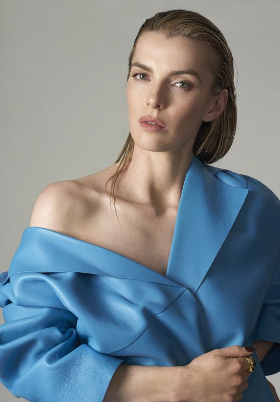 Betty Gilpin - V Magazine Photos (2020)