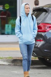 Brie Larson in Casual Outfit - Los Angeles 03/17/2020