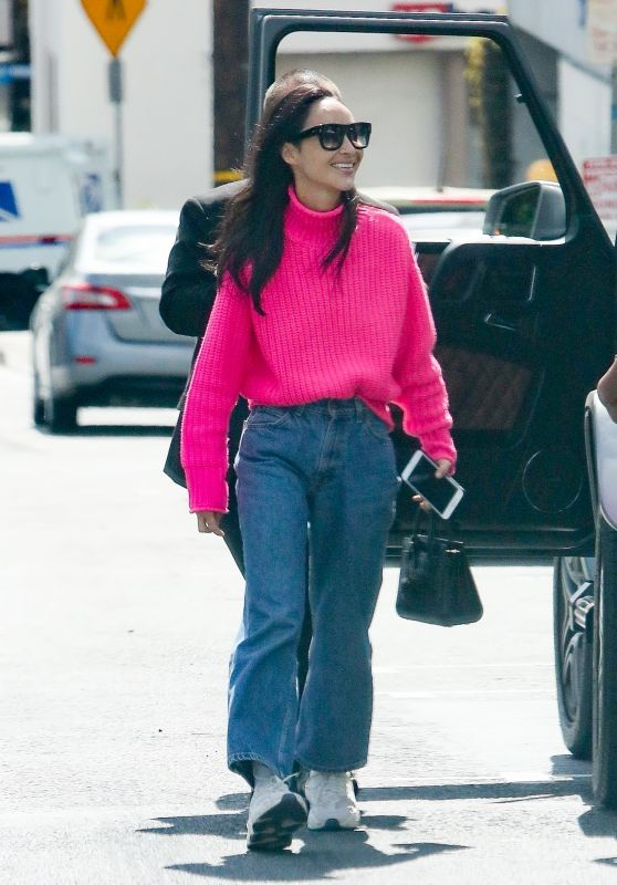 Cara Santana in a Bright Pink Sweater and Jeans 03/07/2020