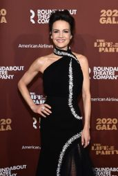 Carla Gugino – Roundabout Theater's 2020 Gala in NYC