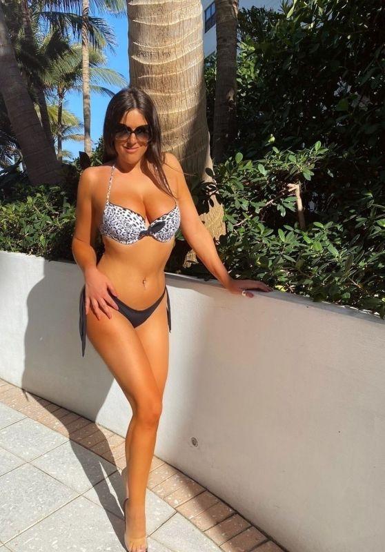 Claudia Romani - Sunbathing by the Pool in Miami Beach 03/29/2020