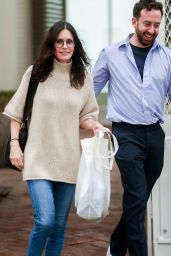 Courtney Cox - Shopping in Melrose Place 03/10/2020
