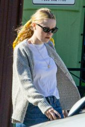 Dakota Fanning - Takes Some Stuff to Her New Home in Los Angeles 03/21/2020