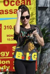 Dakota Johnson Street Style - Los Angeles 03/03/2020