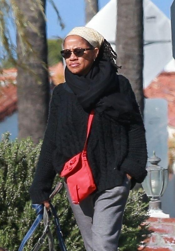 Doria Ragland Street Style - LA 03/26/2020