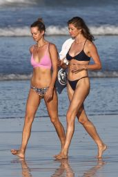 Gisele Bundchen in a Bikini at the Beach in Costa Rica 03/11/2020