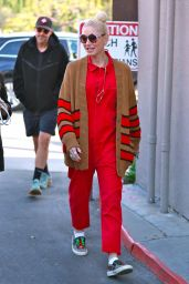 Gwen Stefani in Casual Outfit - Los Angeles 03/06/2020