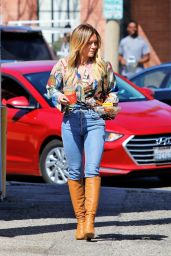 Hilary Duff in Casual Outfit - Leaves Alfred in Studio City 03/04/2020