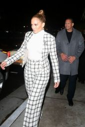Jennifer Lopez - Leaving the San Vicente Bungalows in West Hollywood 03/14/2020