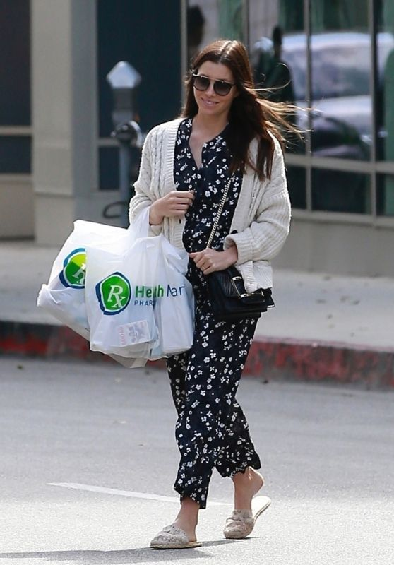 Jessica Biel - Leaves Health Mart in LA 02/29/2020