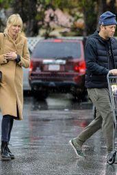 Kimberly Stewart and Boyfriend Jesse Shapira - Bristol Farms in Beverly Hills 03/12/2020