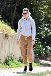 Kristen Stewart in Casual Outfit - Hike in Los Feli 03/08/2020