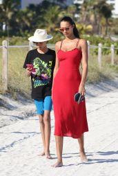 Lais Ribeiro in Leopard Print Bikini – Beach in Miami 03/01/2020