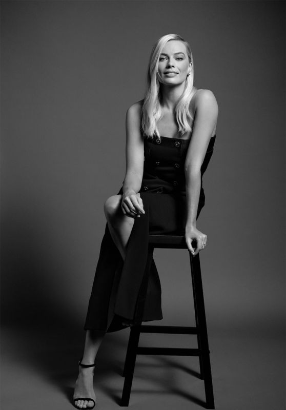 Margot Robbie – Charles Finch and Chanel Pre-Oscars 2020 Dinner Portraits